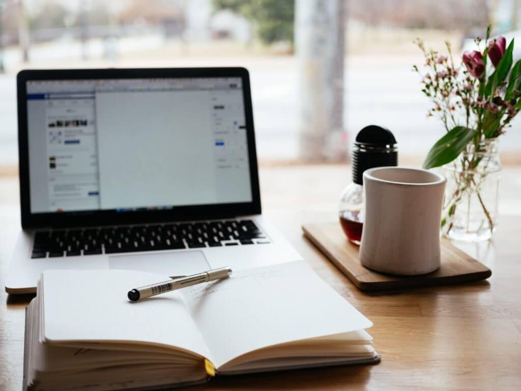 Webマーケティング職の副業④|Webライティング